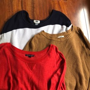 Lot of thin sweaters (good for work)